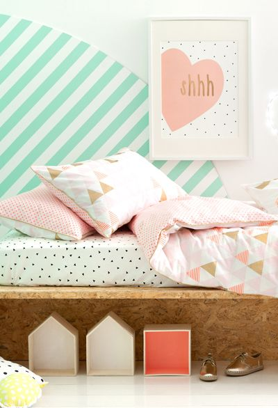 Mint, peach, & white toddler geometric bedding, bedroom