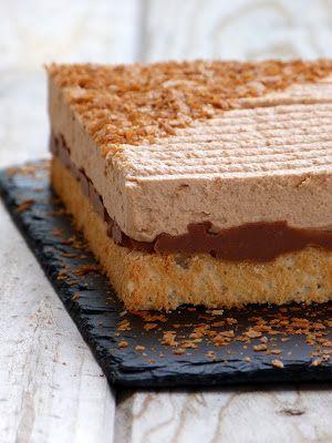 Chic, chic, chocolat...: Royal caramel {mousse chocolat au lait caramel, croustillant praliné et dacquoise}