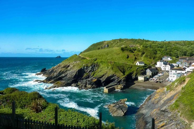 at classic footpath coastal beach little portloe cottages the to down from holiday desc a terrace coastguard description cottage looking