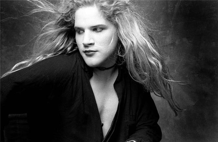 Andrew Wood Death | Let the Music Do the Talking - Feature Friday: Mother Love Bone