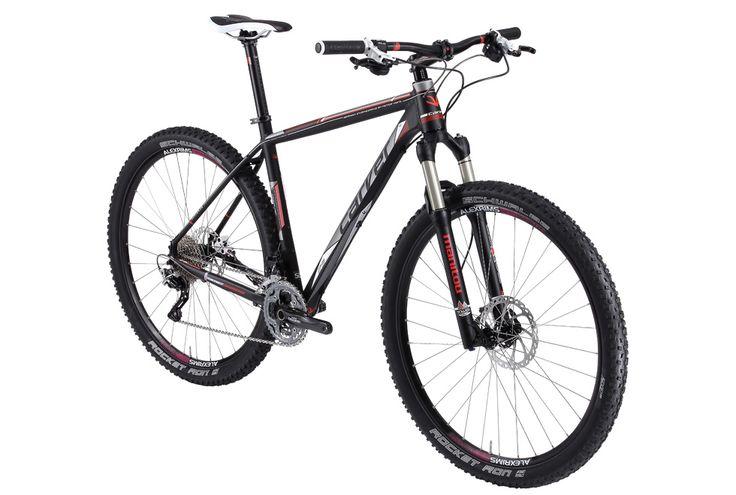 """In der aktuellen Radwelt-Ausgabe vom ADFC wurde das PHT 920 von CARVER Bikes ausgiebig getestet. """"Das Carver PHT 920 macht auf kurvigen Trails und bergab richtig Freude. Federgabel und Gewicht stechen besonders hervor. Ein gelungenes Einsteiger-Mountainbike mit sehr gutem Preis-Leistungs-Verhältnis.""""  Hier findet ihr das Carver PHT 920 in unserem Onlineshop -> http://www.fahrrad-xxl.de/carver-pht-920-herren"""
