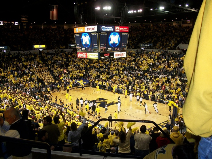 Crisler Arena Packed house before the Michigan State
