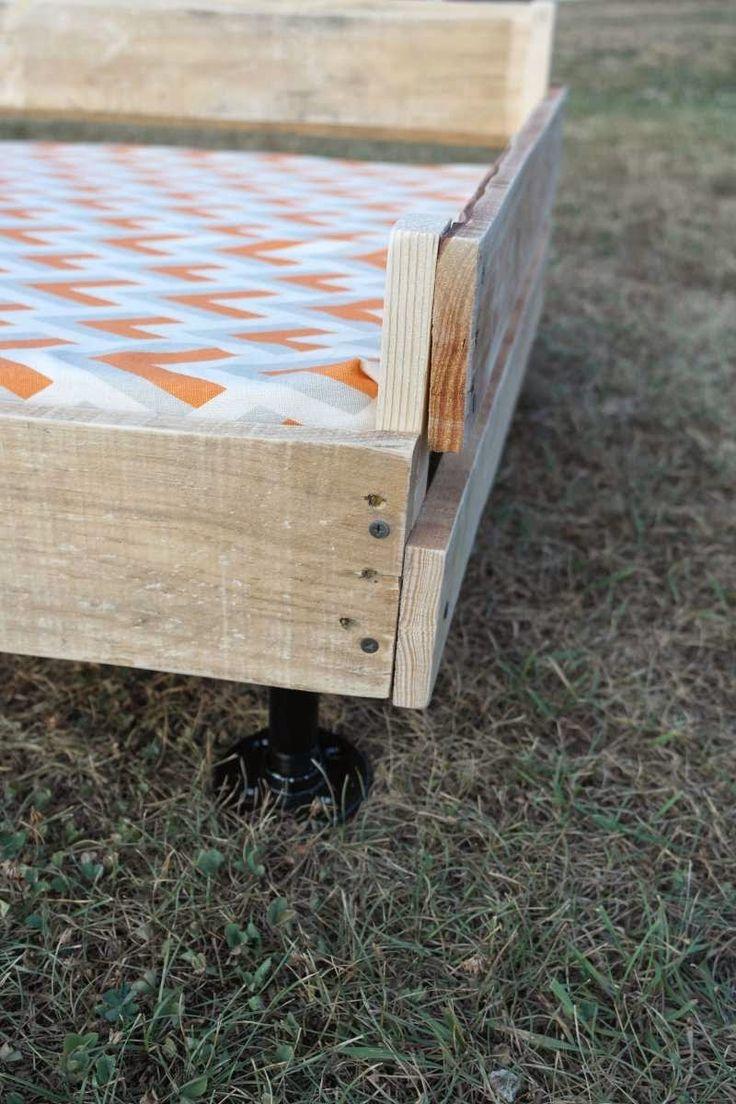 Construire un lit palette pour vos animaux de compagnie3