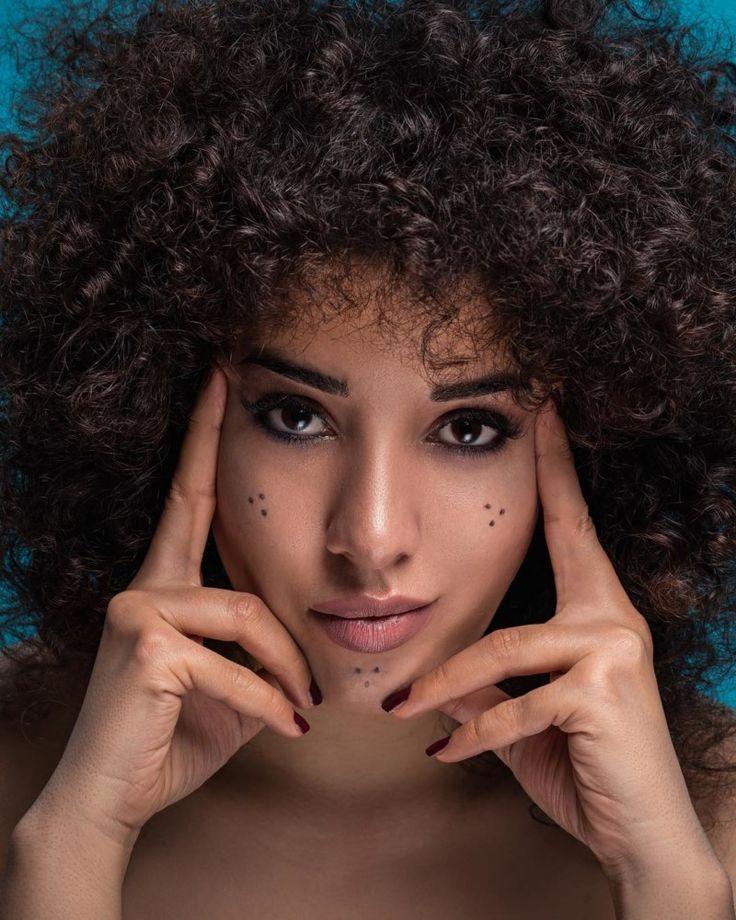 Top 15 lockige Frisuren 2020 für alle Haarlängen (45 Fotos + Videos) // # 2020 #Lockige #Frisuren #Frisuren #Länge