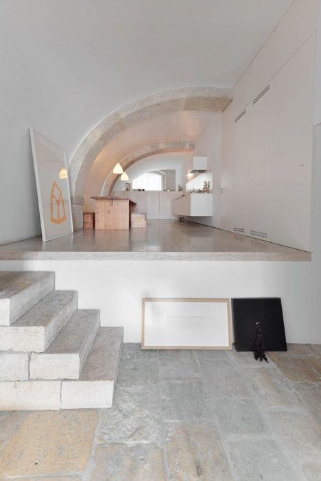 House in São Mamede by Aires Mateus
