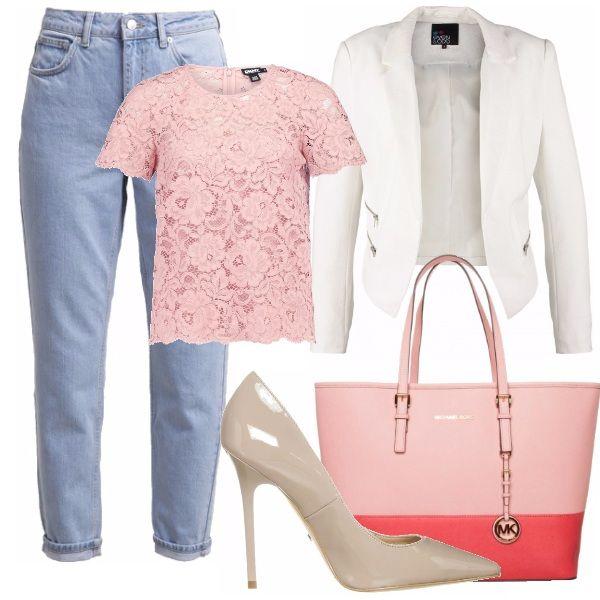 """Il Jeans """"mom"""" con un bellissimo paio di scarpe col tacco  e con un pizzico di eleganza dato dal blazer e dal top in pizzo rosa, rende il tutto più formale e meno informale...  I dettagli battono l'informalità del risvolto..."""