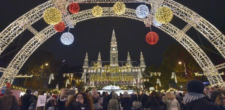 """Feierliche """"Weihnachtstraum""""-Eröffnung am Rathausplatz mit Bürgermeister Häupl"""