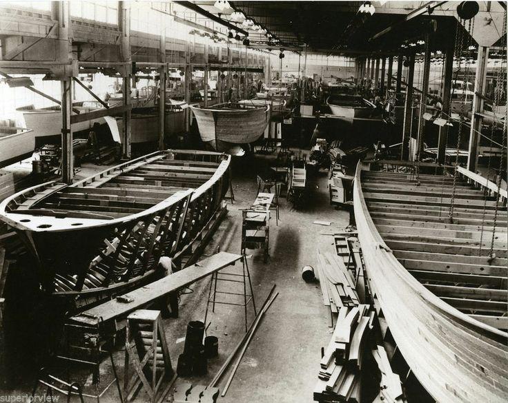 Chris Craft Factory Algonac MI Wooden Boats Boat Building 1940 Wood Boats GREAT  Boat building
