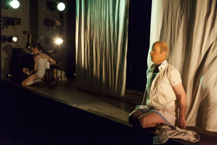 '(e)' Théâtre de la Messe Basse - décor, costumes