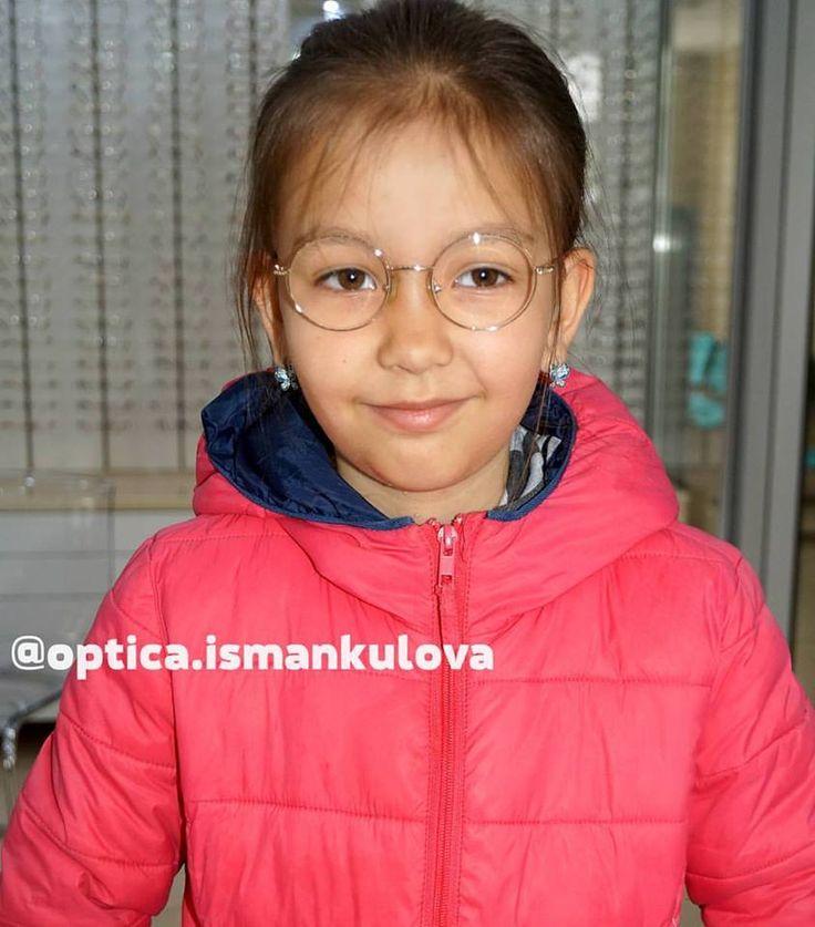 Наши маленькие клиенты😍😊 ▶ Оправа United Colors of Benetton - 1495 сом (Италия)  #Frames #Glasses #ОчкиБишкек #ОптикаИсманкулова #МыДаримСчастьеВидеть