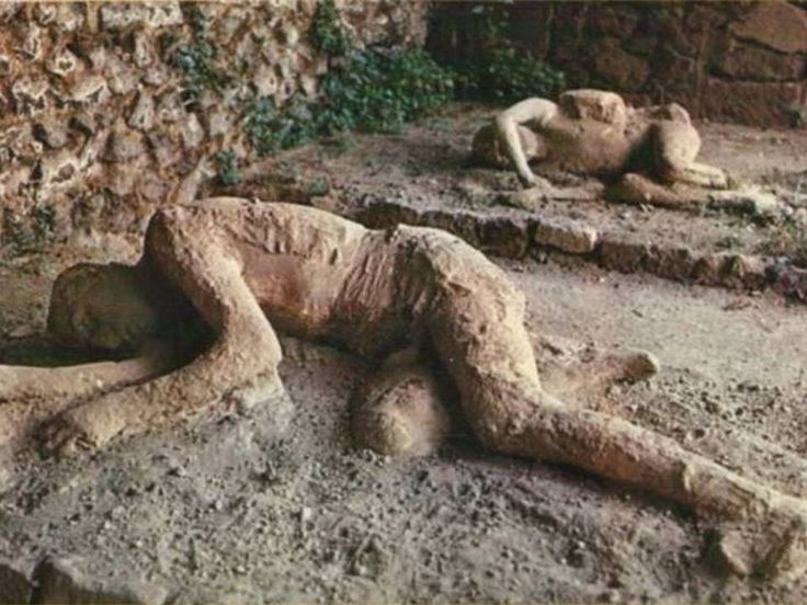 The Lost City of Pompeii: Pictures of an Alien World, Frozen in Time