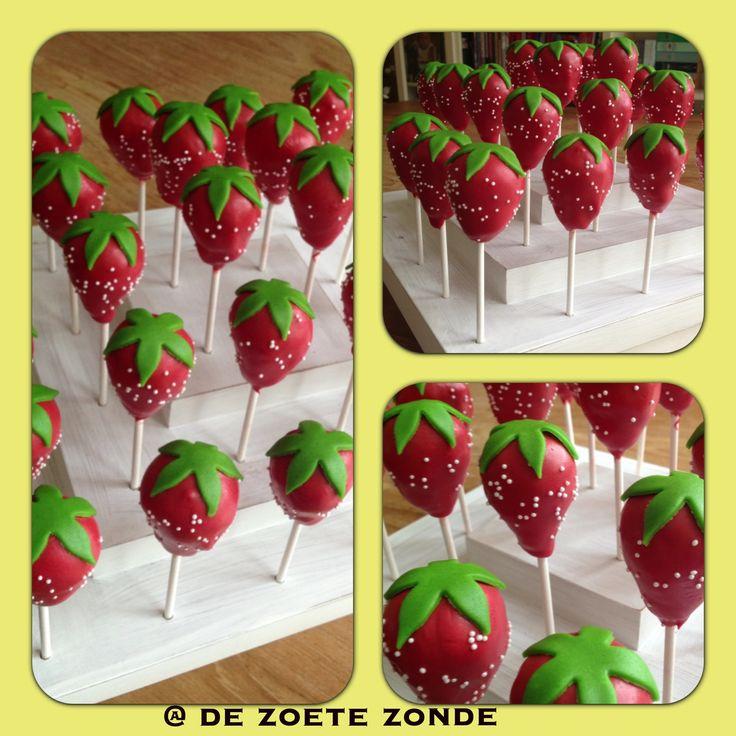 Strawberry cakepops