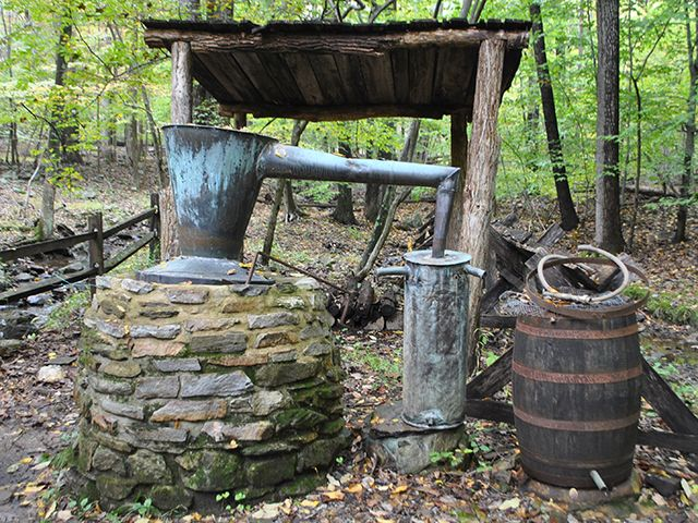 antique moonshine still - photo #24