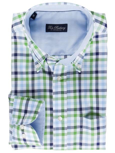 Mit diesem Hemd von Tom Rusborg sind Sie immer topmodisch gekleidet. Dabei spielt es keine Rolle ob Sie es in der Freizeit oder im Büro tragen. Das karierte Hemd gibt es nicht nur in der hier abgebildeten Farbkombination.