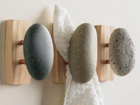 DIY: colgadores con piedras de playa
