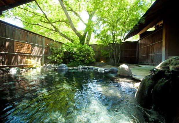湯布院 なな川   温泉