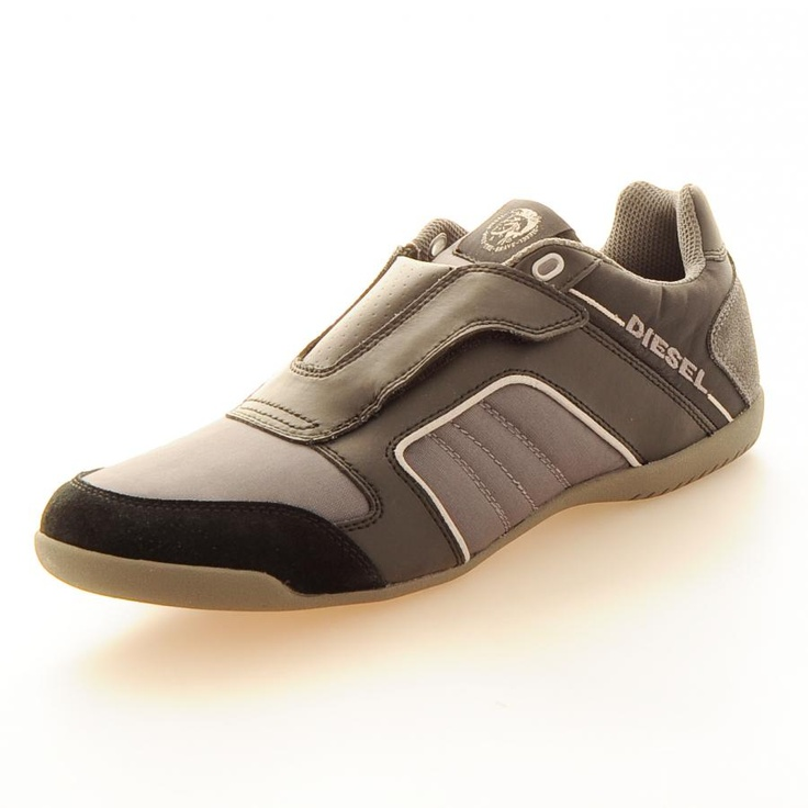 black single men in castle rock Balanced on sturdy soles and supercork™ cushioned footbeds, this pair keeps his steps comfortable and slip-free throughout his dayfeaturesproduct details.