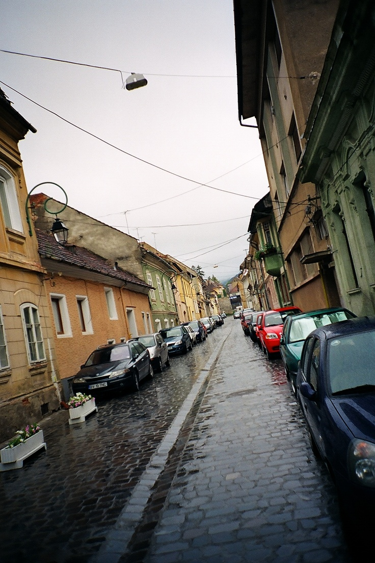 oh to be trapesing around these streets with my sister again --Brasov