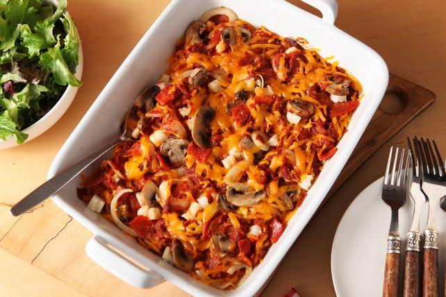 Grâce aux pommes de terre rissolées surgelées, préparer cette casserole devient un jeu d'enfant. Il suffi de cuire au four jusqu'à ce que le fromage fonde, puis de savourer!