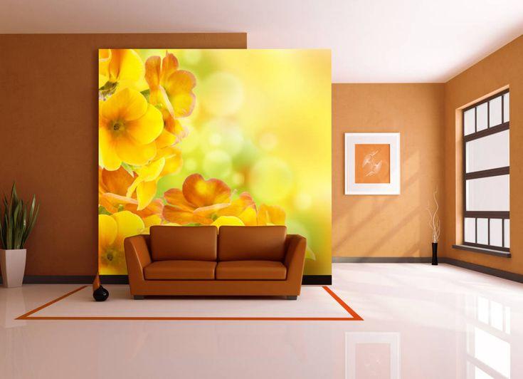 Kaum eine Farbe strahlt so viel Lebensfreude aus wie Gelb. Deshalb ist die Farbe besonders beliebt, wenn es darum geht, Highlights in der Inneneinrichtung zu setzen oder einfach für Gute Laune zu sorgen. Doch zu viel Gelb kann schnell überladen wirken und als unangenehm wahrgenommen werden. Wir zeigen euch ein paar Einrichtungsideen, mit denen ihr Gelb im Wohnzimmer genau richtig dosieren könnt.