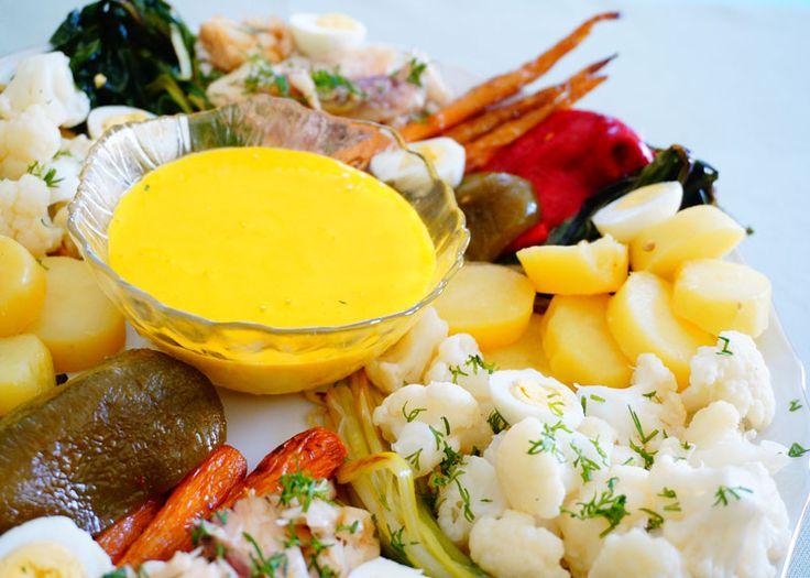 Приготовление рыбы с овощами и соусом айоли фото