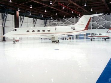 Epoxy floor in aircraft hangar