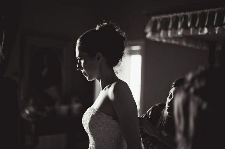 Ani & Besife © pinewoodweddings.com