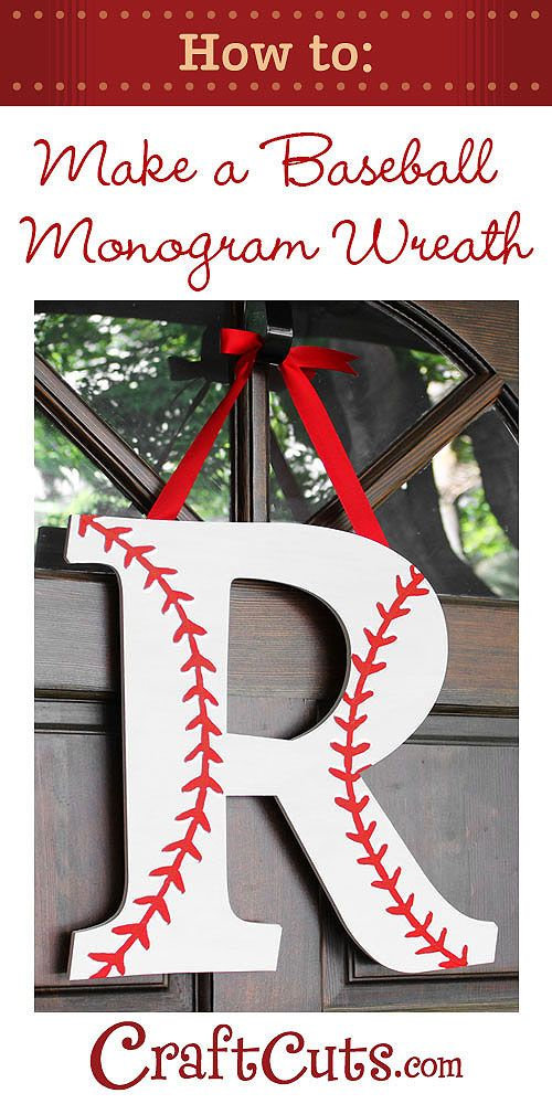 How to Make a Baseball Monogram Wreath-como decorar una letra como pelota de beisbol.