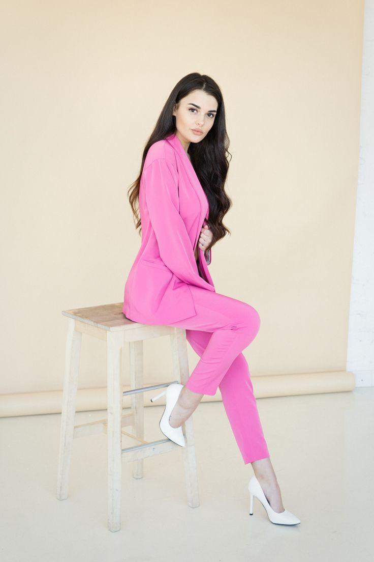 Идеальный розовый костюм