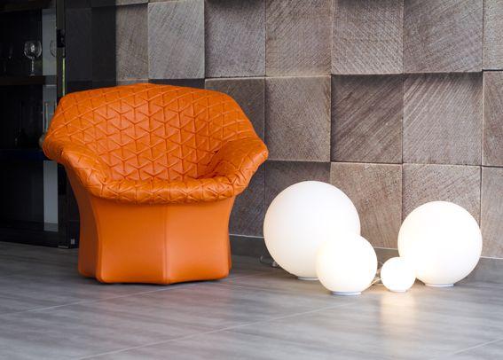 All the #Dioscuri lamps with the Juliet chair !  #design Michele De Lucchi ► http://bit.ly/Dioscuri_T © Spazio Di Casa