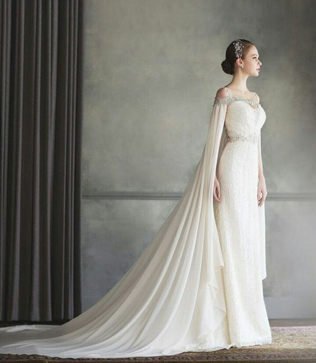 Here is one drop dead gorgeous dress from @bonheursposabusan that took our breath away! Major crush on the long cape accent that surely exudes a mysterious yet elegant and gracious nuance. Meanwhile, the embroidery and bejeweled accent definitely adds the right amount of luxe and glam! Isn't it breathtaking? Leave a 'Yes' below!