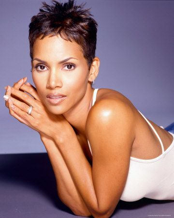 #Halle Berry #Pixie now of course Halle can pull off any pixie style she wants. Love it.