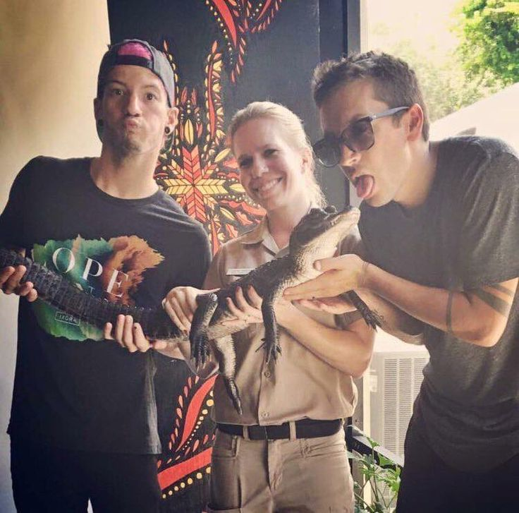 can I be the gator Tyler is holding thx soz jenna