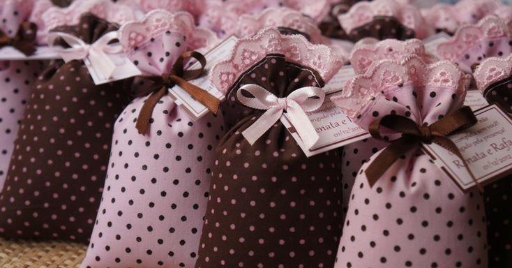Veja seleção de 50 lembrancinhas para casamento que custam até R$ 15.