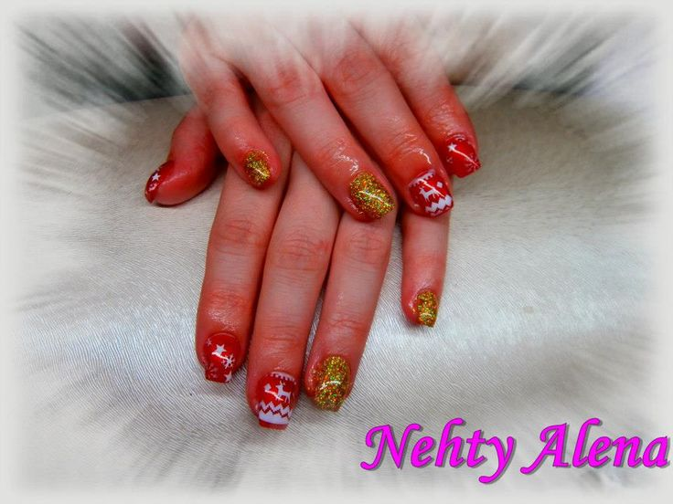 Airbrush - nail design red and gold norský vzor