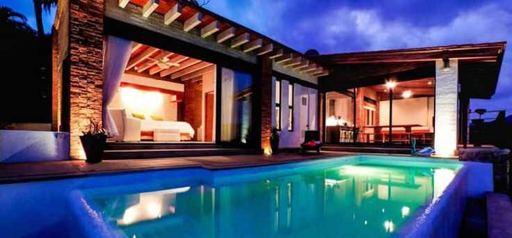 Villa Guadalupe: Albercas de estilo moderno por Caja de Diseño