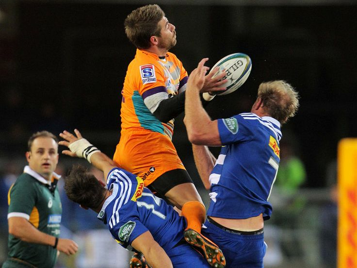 GALLERY: SUPER RUGBY, SATURDAY My ball!: Willie le Roux beats Schalk Burger in an aerial challege