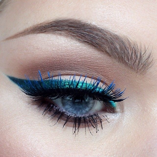 Teal cat eyeliner #eyes #eye #makeup