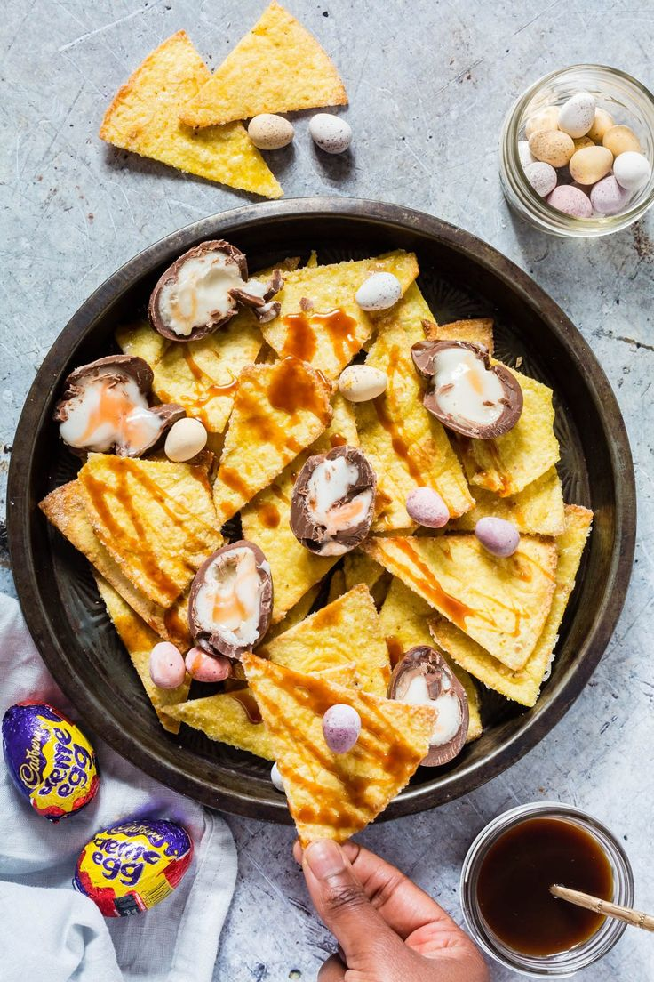 Cadbury crème egg nachos aka Cadbury Crème Eggs + easy homemade sugar vanilla tortillas + caramel sauce makes a great Easter recipe | recipesfromapantry.com
