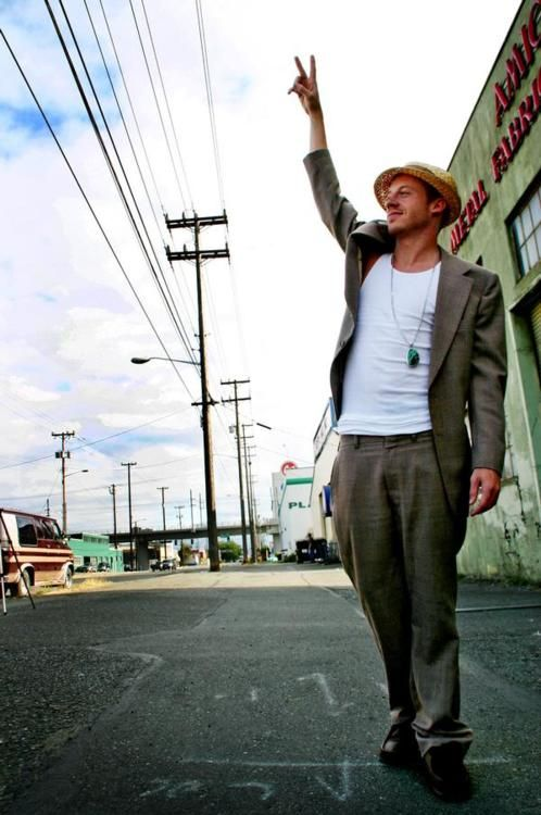 Macklemore's fashion is amazing! If I can find a man who can pull this off like he can, I will marry him on the spot.