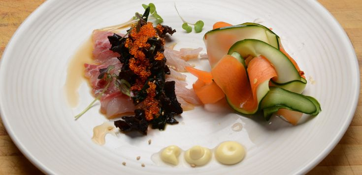 Sashimi with Wakame and Pickled #Vegetables. Make it at home with my recipe :D #japanese #raw #cooking #pickled #sashimi