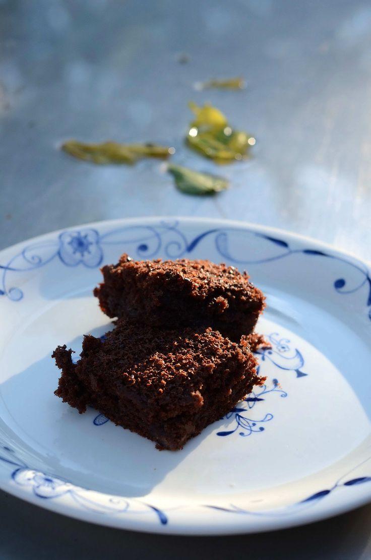 Lækker chokoladekage...  Erstat evt squash med gulerødder.  Og tilsæt evt lidt hakket nødder eller mandler..
