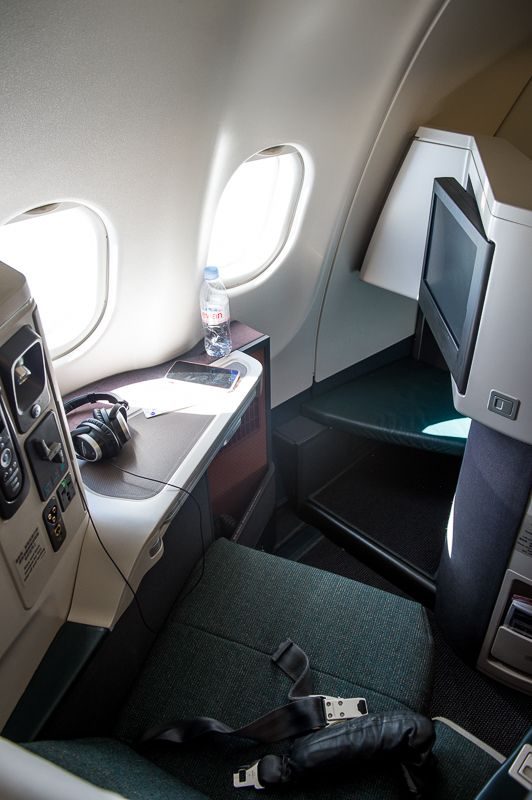 CATHAY PACIFIC AIRBUS 330-300 BUSINESS CLASS REVIEW: HONG KONG TO SYDNEY — CITIZENS OF THE WORLD