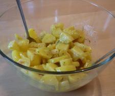 Rezept Kartoffelsalat von bienchen2409 - Rezept der Kategorie Vorspeisen/Salate