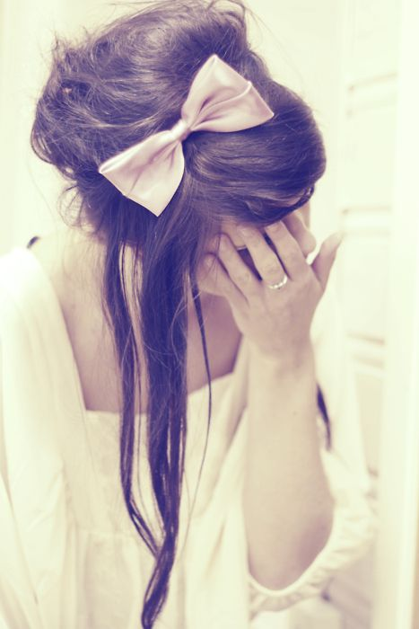 .Hair Beautiful, Hairbows, Hair Design, Bows Ties, Long Hair, Messy Buns, Hair Style, Hair Bows, Big Bows
