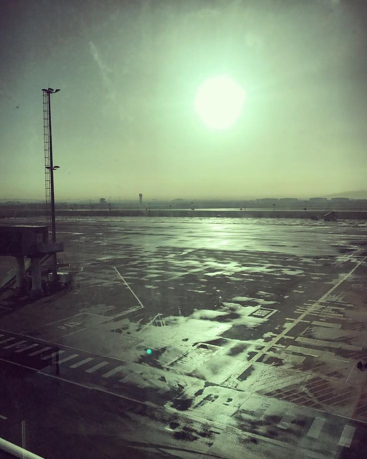 Cape Town airport looking like a post-apocalyptic wasteland this morning