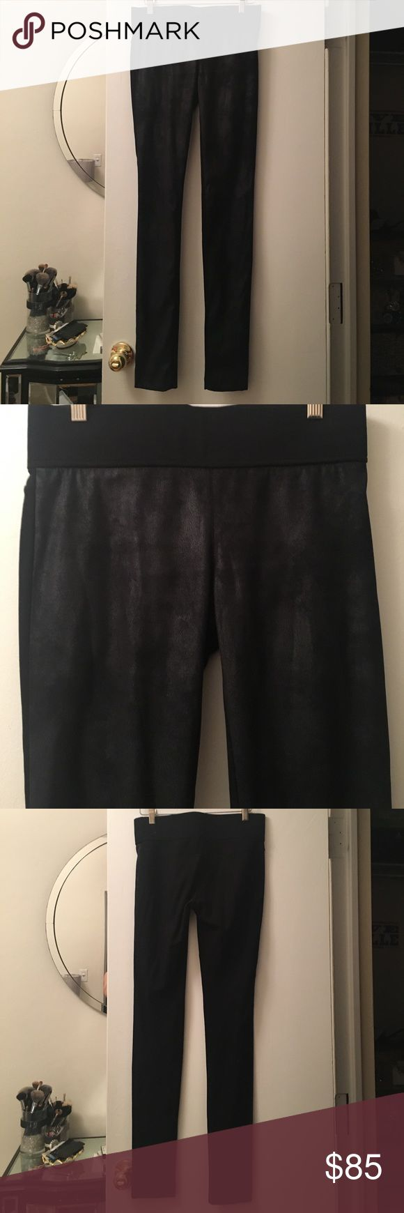 Club Monaco Black Leggings Club Monaco Black Leggings. NEVER WORN. Front side of leggings are ultra suede with a semi-sheen. Size 2. Thick elastic waistband that holds you in in all the right places! Club Monaco Pants Leggings