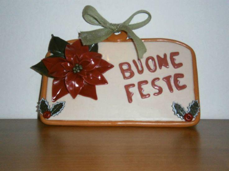 """Targhetta natalizia realizzata in pasta gabrylea. Creazione di Paola di """"Frugando in soffitta""""."""