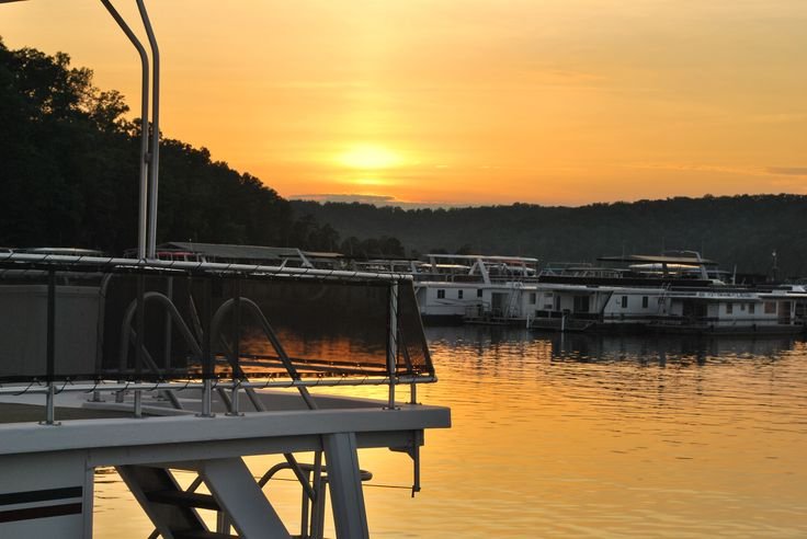 Boats and sunset grider hill marina lake cumberland