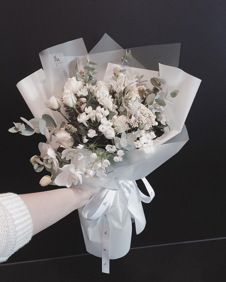 Hand-tied Bouquet | Vaness Florist Bouquet ||  Korean Artistic & Elegent Flower Bouquet +white flowers & white wrapping <Perfect gift for every occasion >